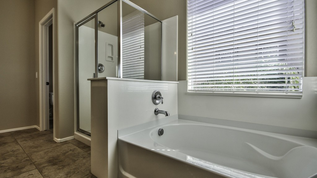 Separate Tub & Shower at 4142 E Vest Ave Master Retreat bathroom Gilbert Arizona The Guerrero Group_Top Gilbert Real Estate Agents