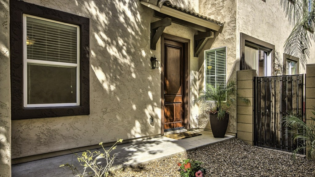The Guerrero Group of Realty ONE now offering a 3 bed 2.5 bath 1,682 Sqft home for Sale in Gilbert Arizona 85295