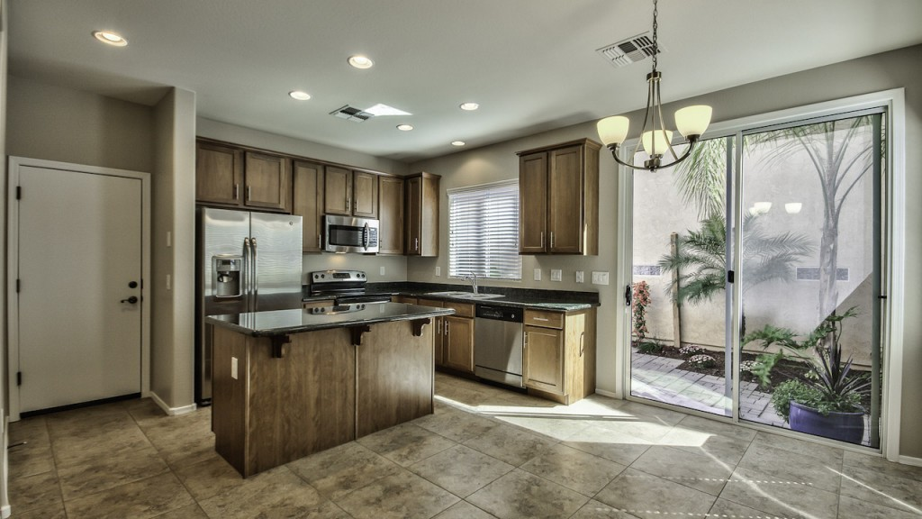 The Guerrreo Group_Luxury Kitchen in Gilbert Home for Sale The Willows 3 bedroom 2.5 bathroom 2 car garage under $220,000 4142 E Vest Ave