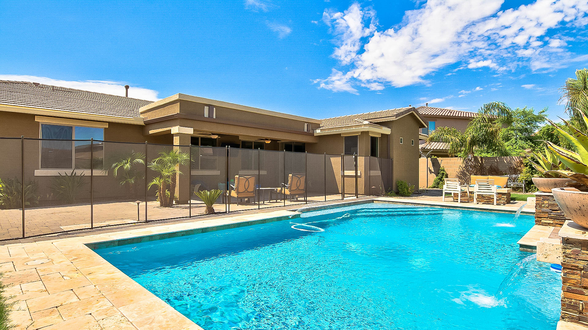 Chic Beach House Design For Sale In Gilbert S Layton Lakes